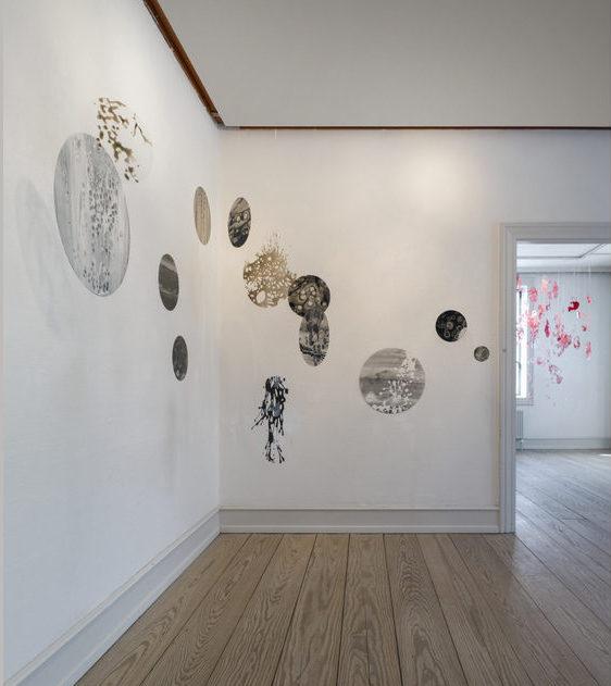 Rum billede. Værker af Hanne Linde.
